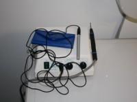 Elettrobisturi usato in chirurgia odontoiatrica